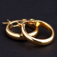 Earring of Yellow Gold