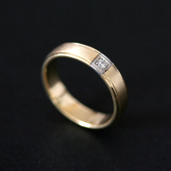 News of the Week Wedding Rings and Engagement 0750 Anatomical 18k Gold and 18k White Gold 0750