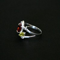 925 Silver Ring with Thrush Zirconia Colored Stones