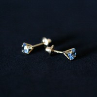 Earring 18k Gold with Light Blue Zirconia Stone