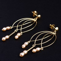 Earring Yellow Gold with Natural Pearls