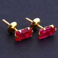 Earring Yellow Gold with Stone Zirconia Red
