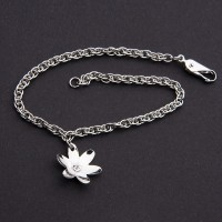 Bracelet of Steel with Detail of a Flower of Stone Zirconia