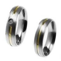 Alliance anatomical 5mm stainless steel with a fillet of gold and rabaixo / Alliance anatomical 5mm stainless steel with a gold fillet with 1 stone zirconia and recess
