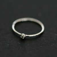 Piercing Nose Ring in 18K White Gold with 01 stone Zirconia
